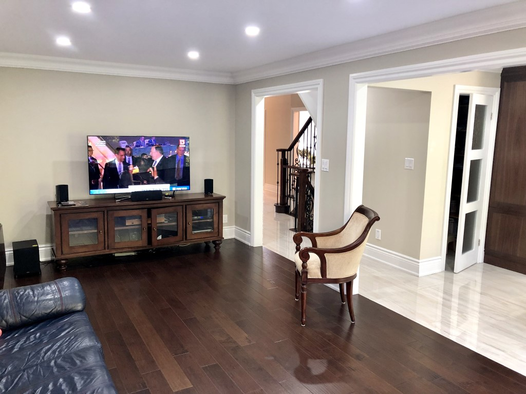 Image depicts the interior of a Thornhill home, which was the location of the latest interior painting in Thornhill project by Arkadys Painting.